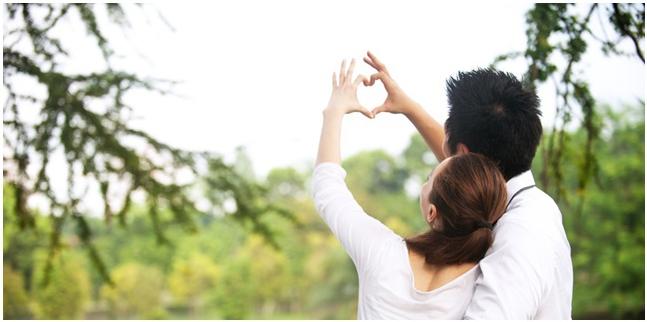 Romantis Bersama Pasangan