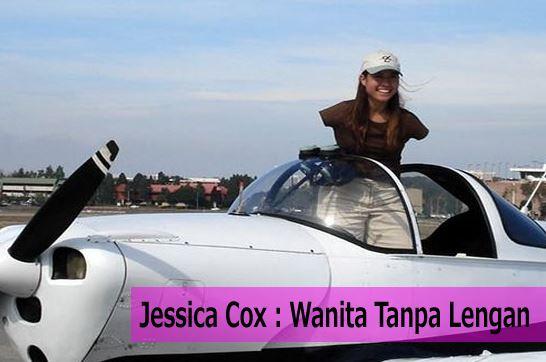 Wanita Tanpa Lengan Ini Mahir Menerbangkan Pesawat