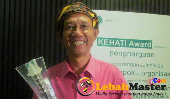 Pak Aziil Anwar Peraih Penghargaan KEHATI Award 2015