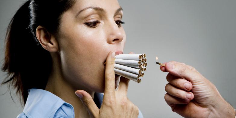 Wanita Merokok