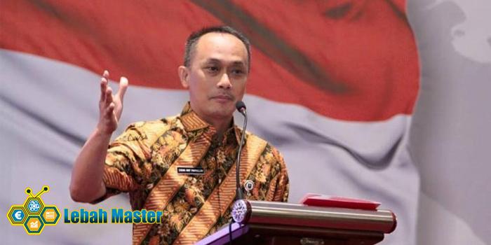 Zudan Arif Fakrulloh Melayani Warga