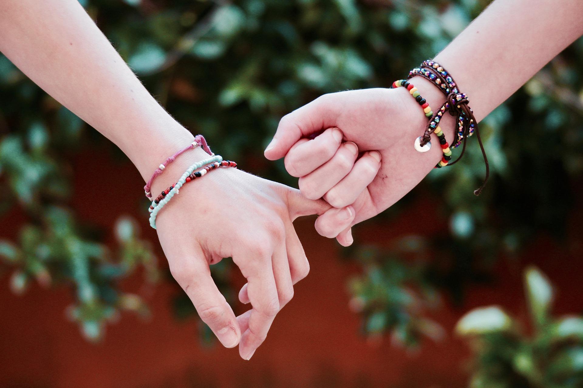 Kata Bijak Mencintai Sahabat